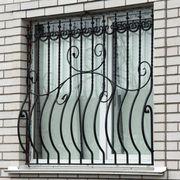 Решетки металлические на балкон,  окна.