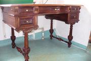 продам антикварный отреставрированный  письменный стол 19 века